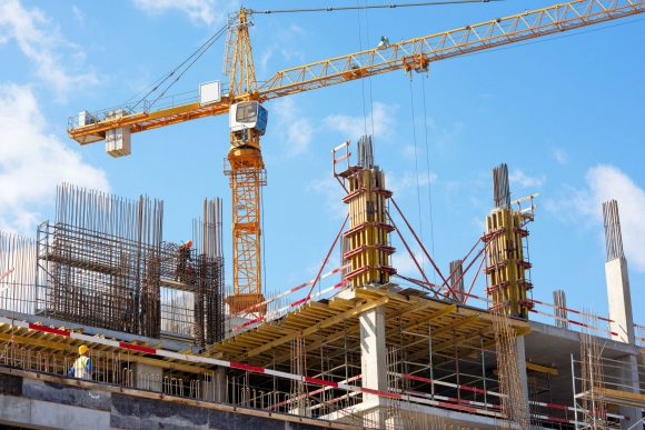 A crane among scaffolding.