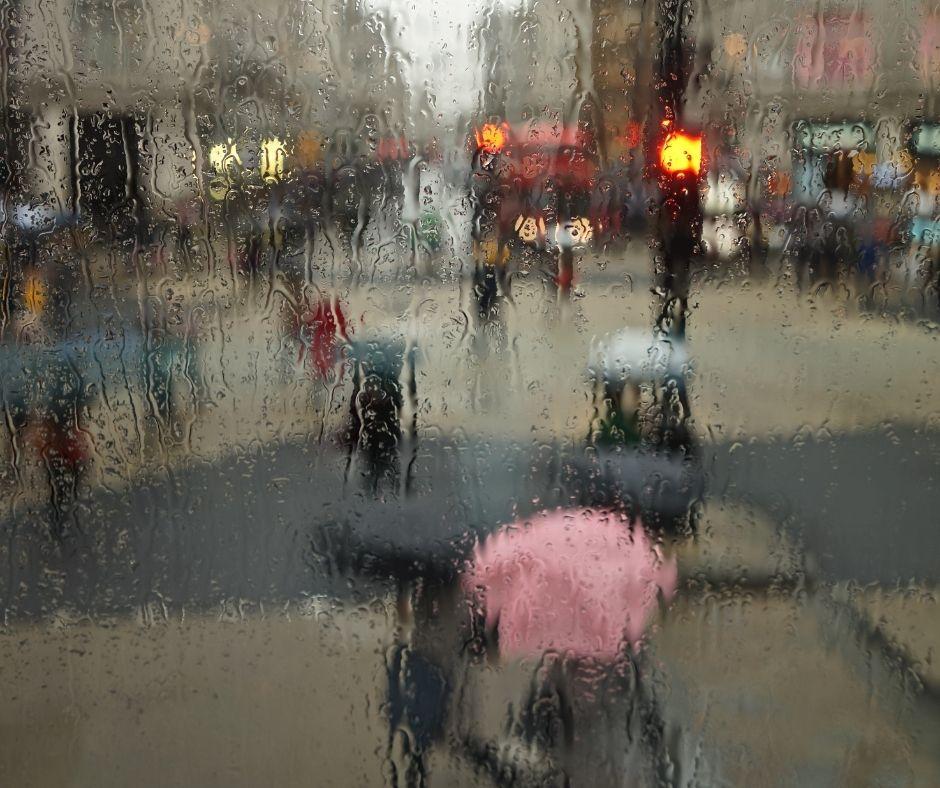 rainy scene of London